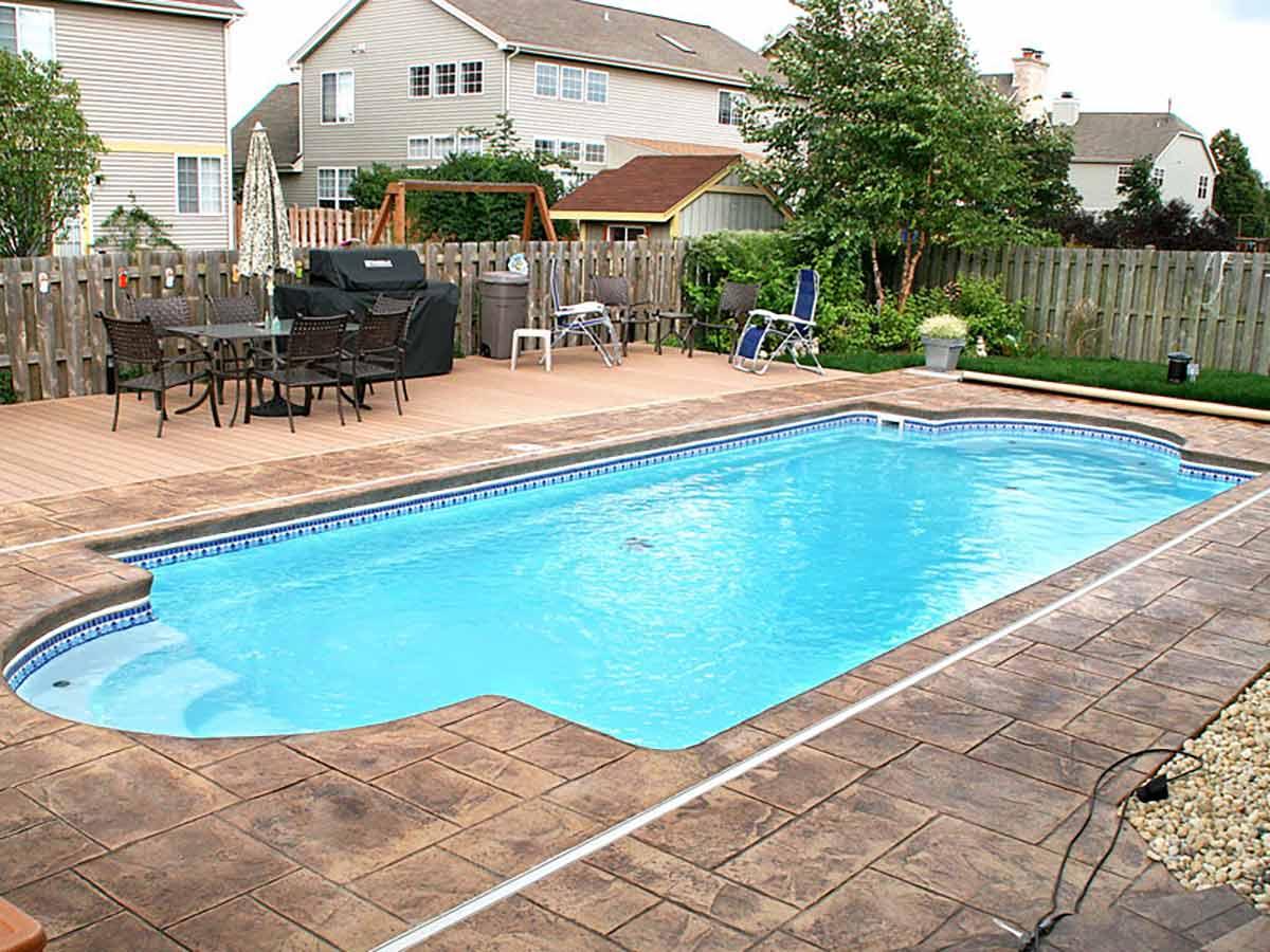 chesapeake-fiberglass-pool-01