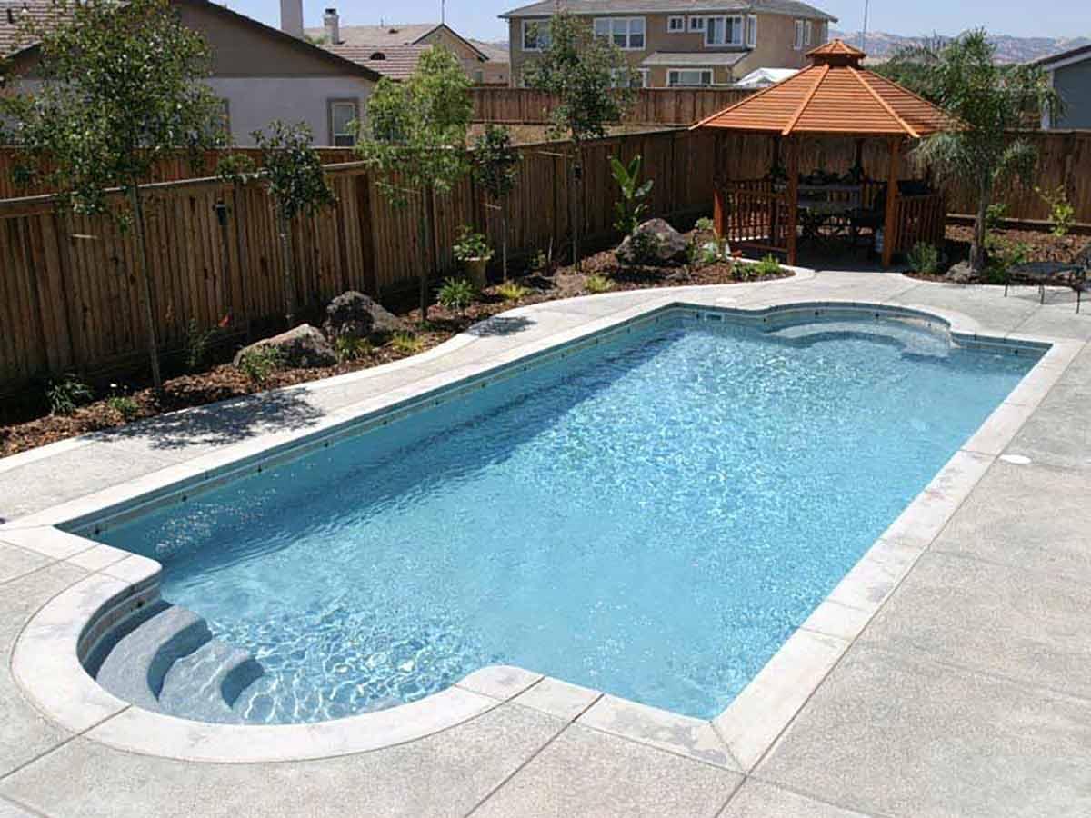 chesapeake-fiberglass-pool-02