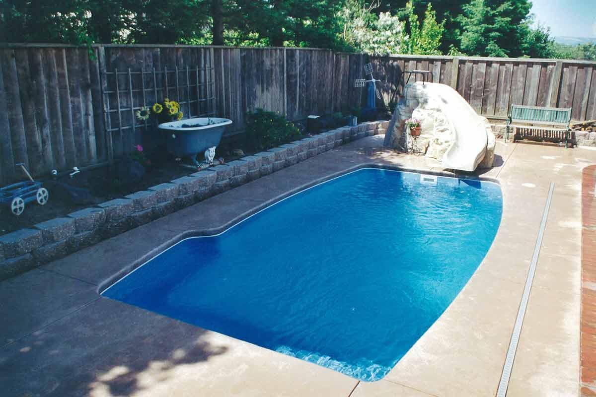 clearwater-fiberglass-pool-01