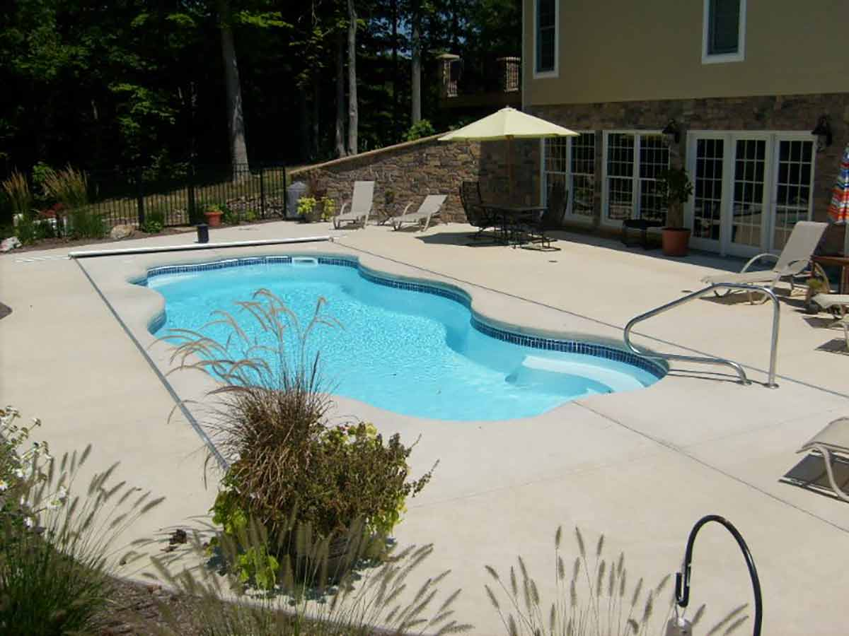 coronado-fiberglass-pool-02