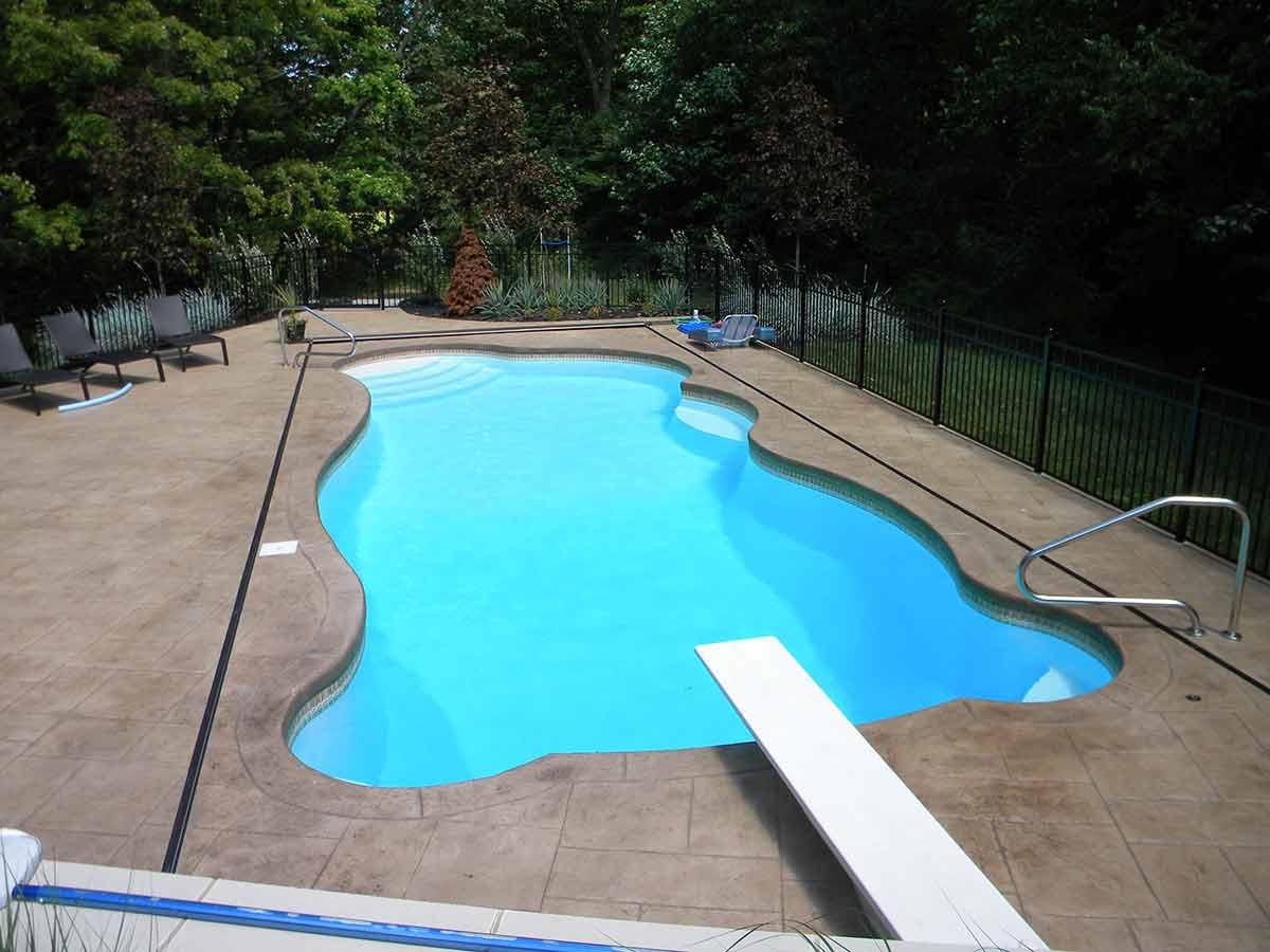 genesis-fiberglass-pool-01