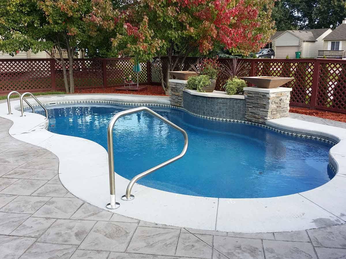 laguna-fiberglass-pool-01
