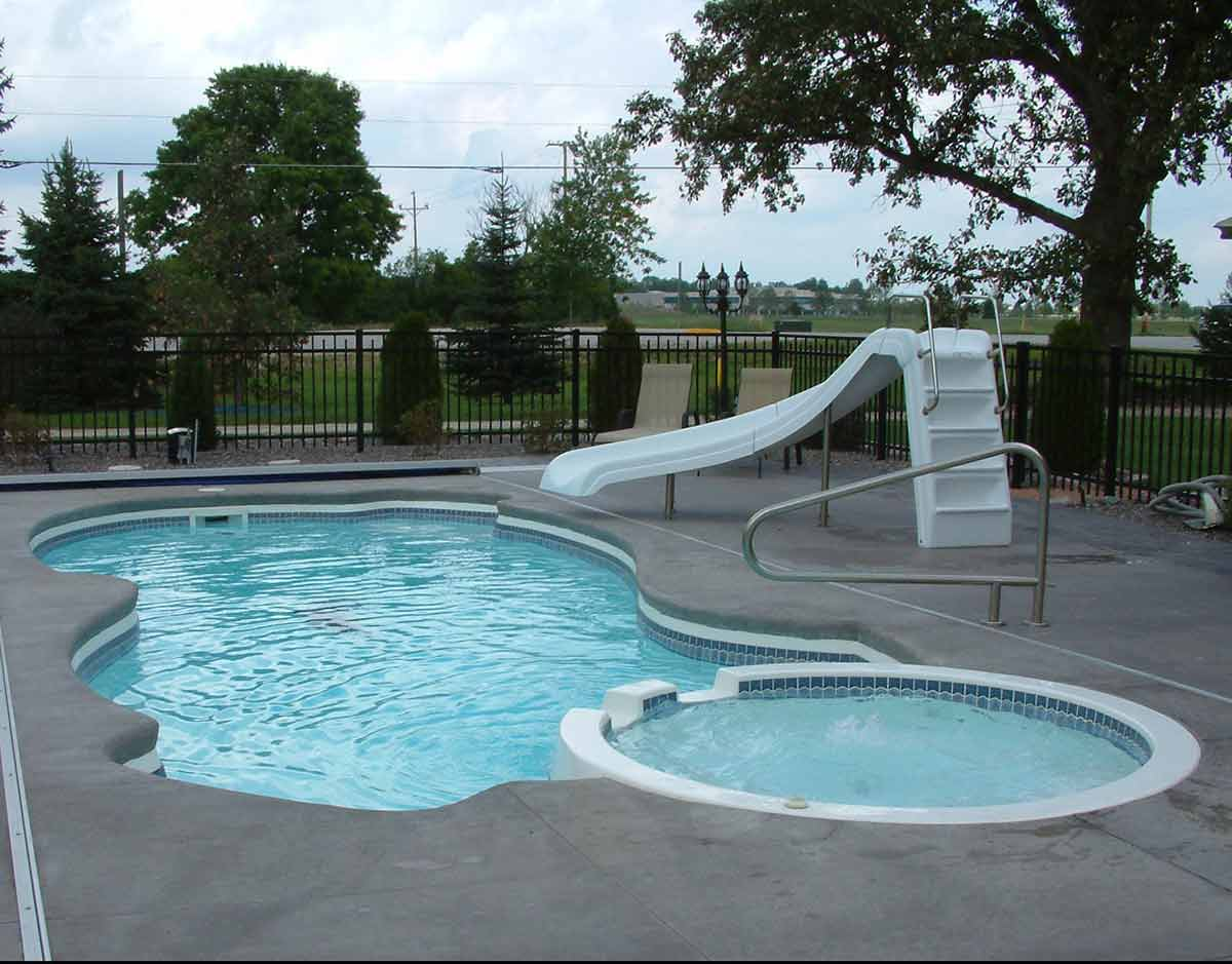 sunset-bay-fiberglass-pool-03